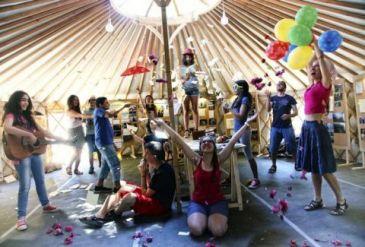 Myathenian Πρώτο Θέμα/ City Stories: Το καραβάνι πιάνει Μεταξουργείο Η πλατεία Αυδή στο Μεταξουργείο θα είναι τον Οκτώβριο ο επόμενος σταθμός του Caravan Project