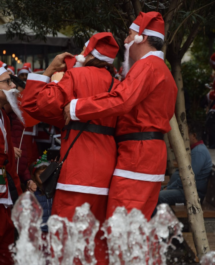 Myathenian Athens Santa run